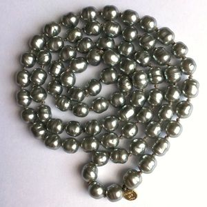 Chanel Baroque Style Faux Grey Pearl Necklace